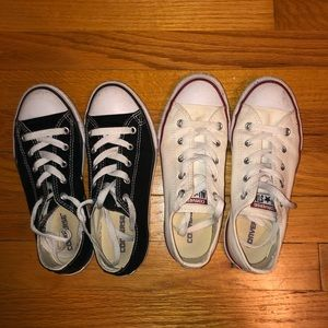 TWO PAIRS CONVERSE BLACK AND WHITE SIZE 2.5 KIDS